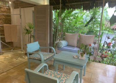 dettaglio balconcino con sedie
