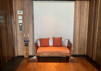 Sofa in una camera del Keemala