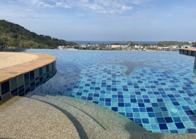 piscina condominiale vista phuket